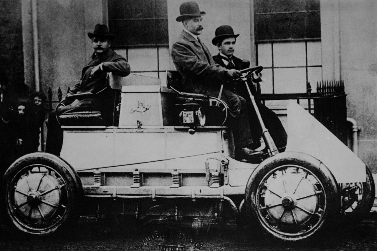 Az első hibrid 1900-ból