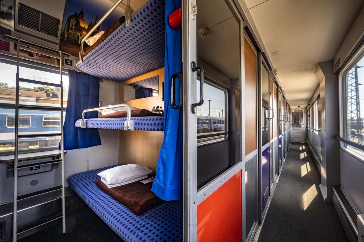 Az Adria Intercityben idén már modern, klimatizált kocsik közlekednek (képek forrása: MÁV-Start Zrt.)