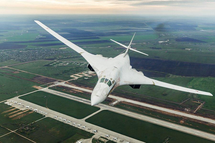 A bombázó polgári verziója lehet, hogy drágább lenne, mint egy új Mach 1.5-ös gép fejlesztése