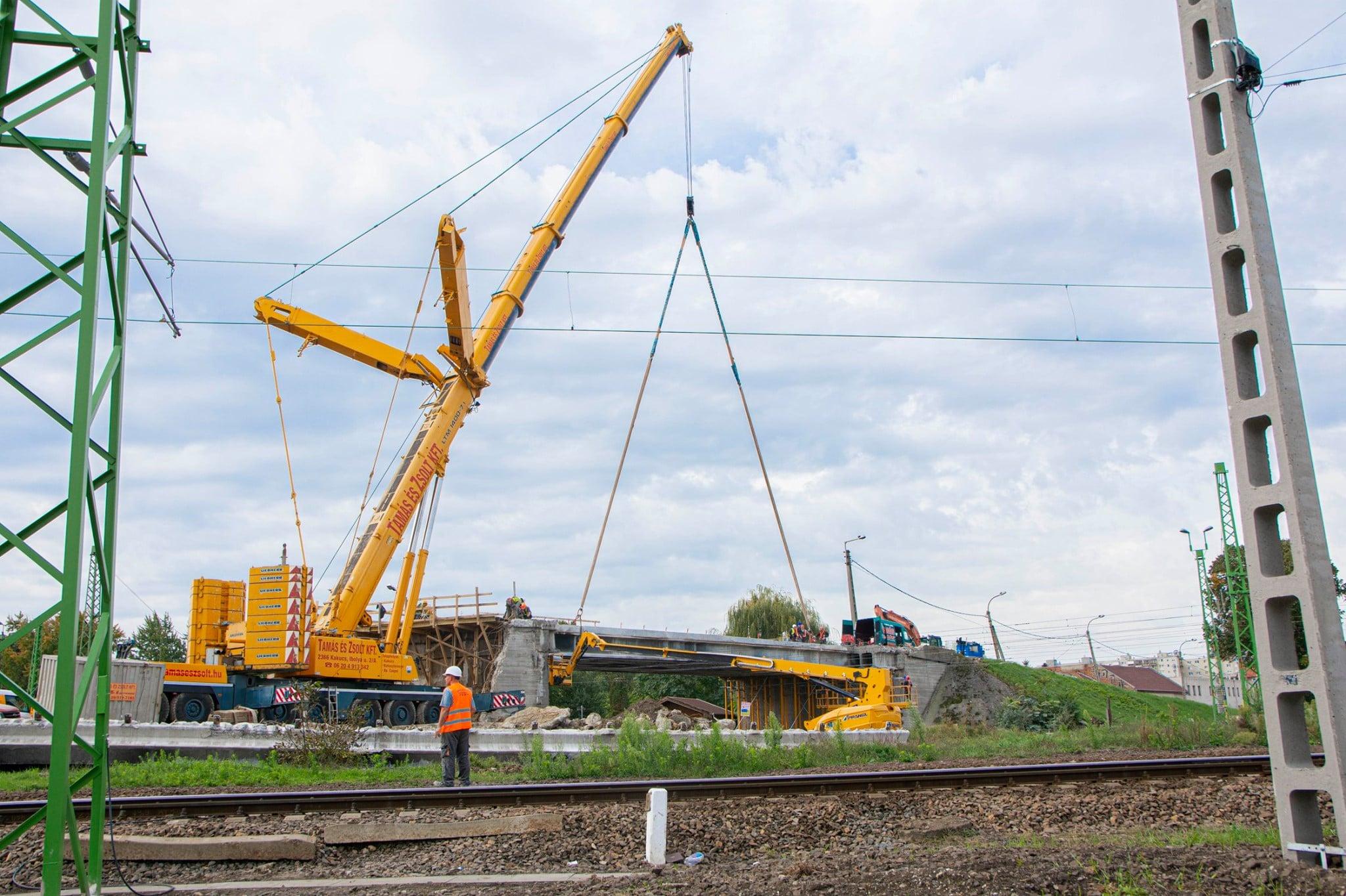 Ütemtervnek megfelelőan halad a miskolci Y-híd kialakítása, jelenleg a meglévő híd bontása van soron. (fotók: NIF Zrt.)