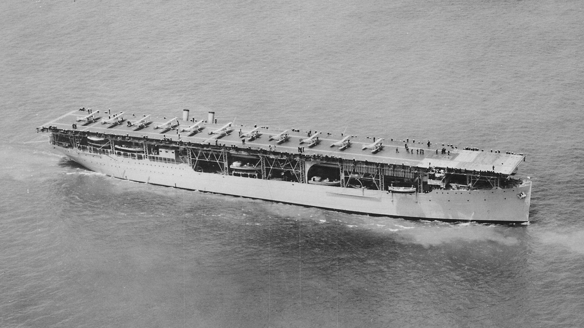 A világ első szolgálatba állított repülőgép-hordozója, a USS Langley